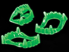 2 inch GLOW IN THE DARK FANGS